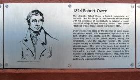1824 Robert Owen