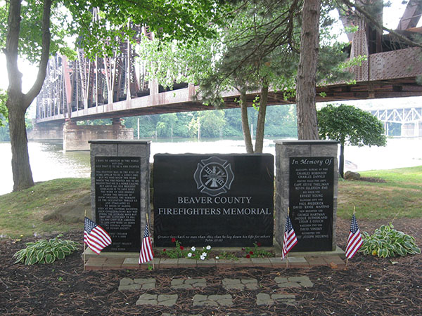 25 PA Beaver Rochester riverfront park firefighters memorial 600 8 high.jpg