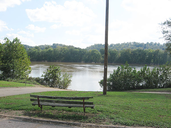 246 OH Meigs Syracuse town park bench facing river 600 8 high
